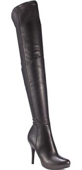 18f7e9b7fe ... Čierne čižmy - na kline aj bez podpätku (http   www.luxurymag