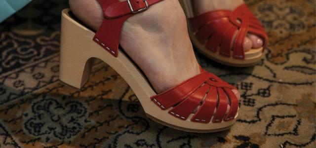 cf09278657add Nezbierajte starožitnosti, zbierajte topánky! — LUXURYMAG