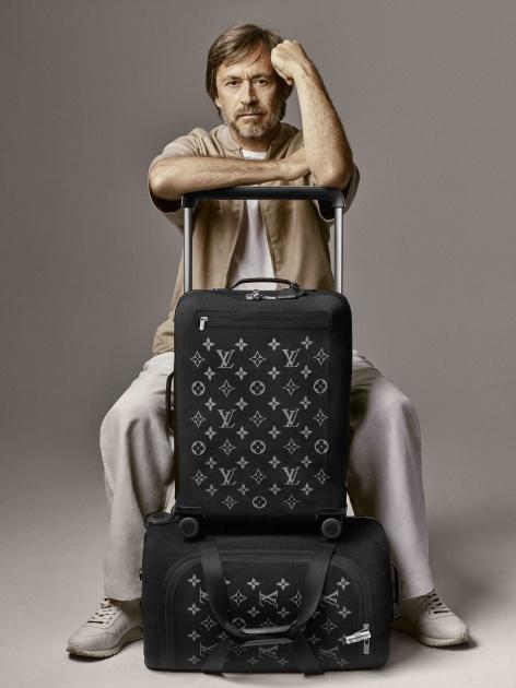 31d69bab58 Chytré zariadenie Louis Vuitton Echo sa ponúka ako príslušenstvo do  vnútorného vrecka batožiny (všetky typy). Nová kolekcia batožiny na  kolieskach je v ...